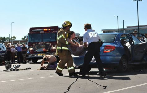 "EHS Students Witness Biennial ""Mock Crash"""